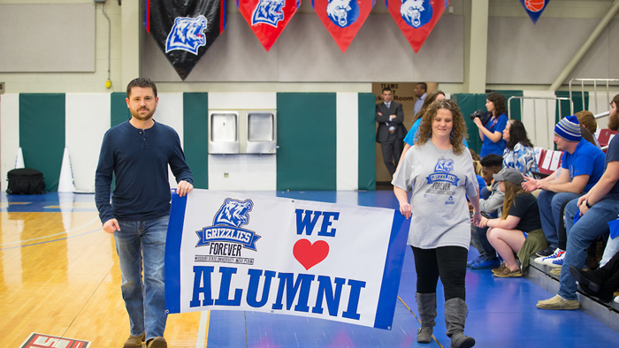 Alumni Justin Frasier and Chrissy Barnes help celebrate homecoming